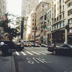 Street view 5th Avenue, Manhattan, NYC #newyorkcityinspired