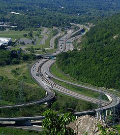 NYS Thruway is 559 miles long, the longest toll expressway in the world.
