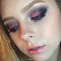 Video of my last picture!  #vegas_nay #makeupvideoss #wakeupandmakeup #slave2beauty #makeupslaves #makeuptutorial #makeup #blog #tutorial #smokeyeye #cosmobyhaley #makeupclips #1minutemakeup #hudabeauty