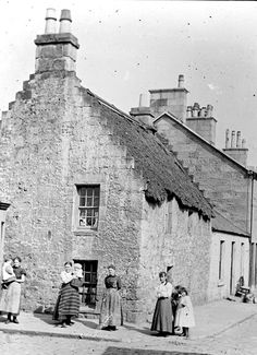 OLD GLASGOW Photo of - Kittle Corner (corner of Shaw Street and Govan Road) Govan. - Welcome to Victorian Glasgow, take a step back in time and wonder down the lives and events of Glasgow's Victorian Era. Scotland History, Glasgow Scotland, Edinburgh, Old Photos, Vintage Photos, The Second City, Slums, Back In Time, British History