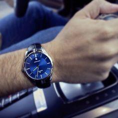 Edox Grand Ocean Ultra Slim with a thickness of 7.2mm #edox #edoxswisswatches #grandocean #ultraslim #slimwatch #blue #swissmade #swisswatches #exss #elegant #fine #wotd #porsche #timingforchampions