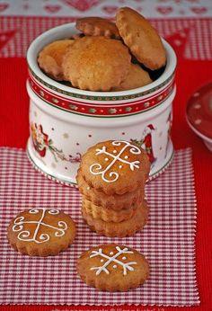 Ya dí por finalizadas las recetas navideñas  nuevas de este año, y ahora me toca centrarme en los clásicos, los dulces fijos que no pueden f...