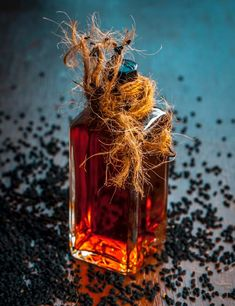 Black seed is used in beauty and hair care remedies due to its anti-inflammatory nature. Read on to learn how to use black seed oil for hair growth. Grow Long Hair, Grow Hair, Hair Growing, Olive Oil Hair, Hair Oil, Benefits Of Black Seed, Kalonji Oil, Nigella Sativa Oil, Oil Treatment For Hair