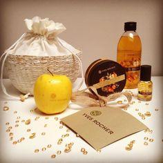 Encantada con la felicitación de Navidad de @yvesrocheres la Edición Limitada Delicia de Manzana para que estas navidades huelan muy dulces. gracias! #yvesrocher #wishlist #cosmetiquevegetale by ponteturopa