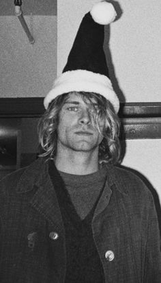 For everything Nirvana check out Iomoio Kurt Cobain Photos, Nirvana Kurt Cobain, Nirvana Art, Nirvana Songs, Rock And Roll, Pretty People, Beautiful People, Donald Cobain, Smells Like Teen Spirit