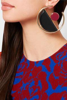 https://www.net-a-porter.com/lt/en/product/645796/marni/gold-plated-acrylic-earrings