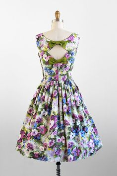 vintage 1950s dress / 50s dress / Purple Floral Party Dress with Cutout Back and Bows