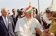 """""""És én az Ő nevében megölellek titeket"""" - II. János Pál üzenete a magyar ifjúsághoz – 777"""