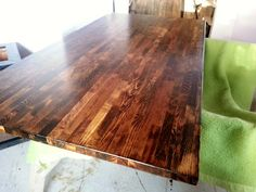 We Own Blackacre: Staining my Beech Ikea Butcher Block Counters Maple Cabinets, Ikea Cabinets, Ikea Butcher Block Countertops, Home Stuck, Old Apartments, Ikea Home, Ikea Kitchen, Kitchen Ideas, Butcher Block Cutting Board