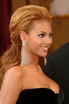 Beyonce at the 2005 Oscars