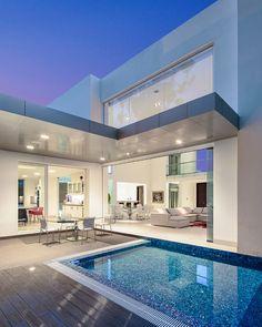 Architect Diego Guayasamin designed luxury cottage with an underground garage. Underground Garage, Ultra Modern Homes, Modern Mansion, House Goals, Style At Home, Home Fashion, Modern House Design, Future House, Interior Architecture