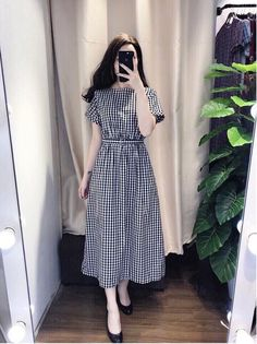 Swans Style is the top online fashion store for women. Shop sexy club dresses, jeans, shoes, bodysuits, skirts and more. Modest Dresses, Modest Outfits, Stylish Dresses, Simple Dresses, Modest Fashion, Hijab Fashion, Cute Dresses, Vintage Dresses, Dress Outfits