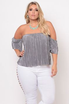 This plus size stretch knit top features an off the shoulder neck with elasticized band for an added comfort, short sleeves, allover accordion pleats in fabric, Looks Plus Size, Curvy Plus Size, Plus Size Girls, Plus Size Model, Plus Size Dresses, Plus Size Outfits, Plus Size Fashion For Women, Plus Fashion, Big Size Fashion