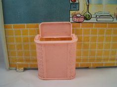 Renwal Bathroom Pink Clothes Hamper   Doll House Furniture