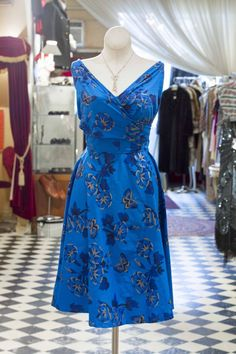 Cabaret Vintage - Versatile Vintage Dress - Style many different ways! #vintagedress #vintage #dressvintage #shopping #vintagestore #vintagefashion #ilovevintage #vintagelove #vintagegirl #vintageshopping #vintageclothing #vintagefinds #vintagelover #vintagelook #vcto #dressoftheday #ootd #instastyle #torontovintage #toronto #queenwest #cabaretvintage , $165.00 (http://www.cabaretvintage.com/dresses/versatile-vintage-dress-style-many-different-ways/)
