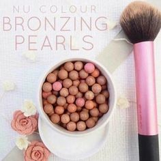 Fantastic look with these Bronzing pearls! Give your skin an instant sun-kissed glow. Tinted Moisturizer -Used by professional MUA's. Make Up Artists ⭐️ anti-aging ingredients,… Beauty Guide, Beauty Secrets, Beauty Products, Skin Products, Beauty Box, Beauty Skin, Bronzing Pearls, Tinted Moisturizer, Anti Aging Skin Care