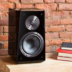 "SVS Ultra Bookshelf - Reference-grade bookshelf monitor with 2-way crossover, 1"" aluminum dome tweeter and 6.5"" woofer"