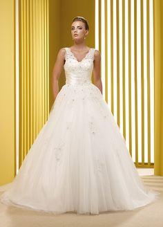 3061806b5bae Immagine Collezione Abito Da Sposa Da  Sposissimi A Taglio Di Po