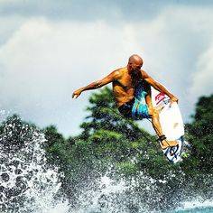 The experimenting never ends for Kelly Slater. Photo: @toddglaser #QuikSurf