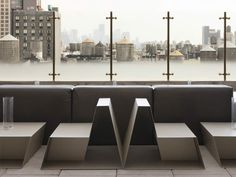 Federico Delrosso conceived the Cafèb Restaurant in New York City. The new location aims mainly at the contemporary world of Italian design. Rooftop Lounge, Hotel Lounge, Restaurant New York, Restaurant Design, Restaurant Interiors, New York City, Smokehouse Bbq, Studios, Hotel Indigo
