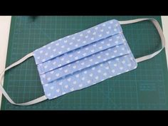 MASCHERINA di stoffa RIUTILIZZABILE (facile) - YouTube Diy Mask, Diy Face Mask, Sewing Tutorials, Sewing Projects, Sewing Machine Tension, Kids Cookbook, Medallion Quilt, Ear Warmers, Creations
