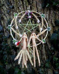 Handfasting celebration wheel. God & Goddess natural wheat figures with wheat pentacle wheel.by positivelypagan.com