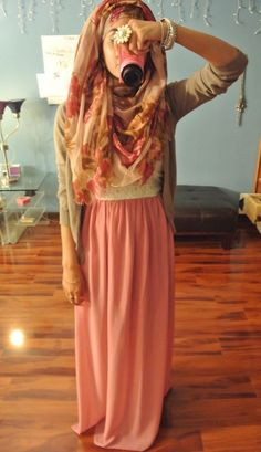 love the pink maxi skirt! #hijabi #hijab #style #fashion