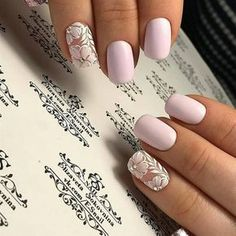 False nails have the advantage of offering a manicure worthy of the most advanced backstage and to hold longer than a simple nail polish. The problem is how to remove them without damaging your nails. Trendy Nails, Cute Nails, Spring Nails, Summer Nails, Gel Nails, Nail Polish, Acrylic Nails, Nail Nail, Shellac