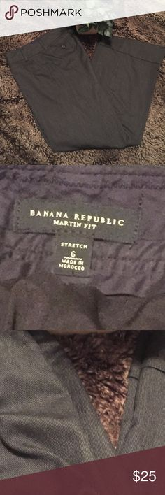 Banana Republic wide leg lined Martin Fit pants Like new! Worn twice for work. Size 6, true to size. Wide leg, Martin fit. Color is like a gray tweed pattern. Fully lined. Smoke free, pet friendly home. Banana Republic Pants Trousers