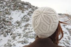Annette Petavy translates pretty knit hat pattern into French