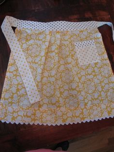 Making Gifts: Simple Fat Quarter Apron