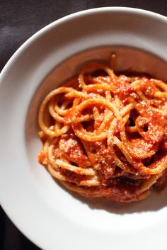 NYT Cooking: Spaghetti in Spicy Tomato Sauce (Lombrichelli all'Etrusca)