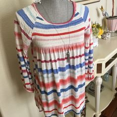 Anthropologie top Adorable & totally comfortable and chic. Great with bootcut jeans too. Anthropologie Tops