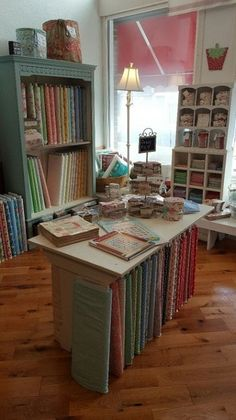 Lucky 2B Quilting | Fabric & Quilt Shop | Pecatonica, IL