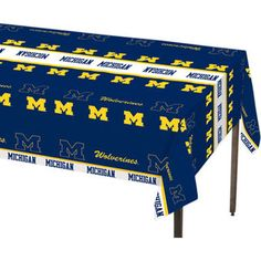 Michigan Wolverines Table Cover