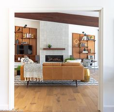 SoPo Cottage: Our Own Mid Century Modern Home - Before and After Mod Living Room, Mid Century Modern Living Room, Living Room With Fireplace, Mid Century House, Mid Century Modern Design, Living Room Modern, Living Spaces, Lounge Design, Design Design