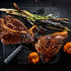 Cook our new cover: paprika-butter-basted t-bone with coriander cream white beans Braai Recipes, New Recipes, Korean Bbq Marinade, South African Braai, Sweet Potato Chips, South African Recipes, White Beans, Cream White, Recipe Collection