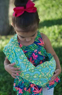 Amy Butler Original Pleated Shoulder Doll Sling by totpockets