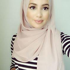 Bekijk deze Instagram-foto van @hijabhills • 14.9 duizend vind-ik-leuks