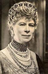 Queen Mary loveknot tiara