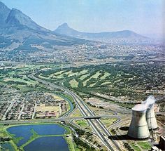 High resolution photos and images in picture galleries all around Cape Town and South Africa Old Photos, Vintage Photos, Cape Town South Africa, Antique Maps, African History, Towers, Landscape Photography, City Photo, Exterior