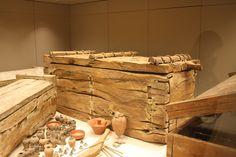 Sarcofagi di legno, museo Egizio Torino Foto D. Alberti
