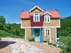 OK - here's the true dream stuga!!  I've admired this place for YEARS - so cute!