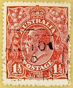 *AUSTRALIA ~ 1 1/2 cent postage stamp