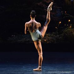 Beautiful Misty Copeland Principal dancer with American Ballet Theatre Photo © Francisco Estévez Photography ⚜️▪️⚜️▪️⚜️▪️⚜️▪️⚜️▪️⚜️ ⚜️▪️⚜️▪️⚜️▪️⚜️▪️⚜️▪️⚜️ Black Dancers, Ballet Dancers, Shall We Dance, Lets Dance, American Ballet Theatre, Misty Copeland, Dance Movement, Dance Poses, Ballet Photography