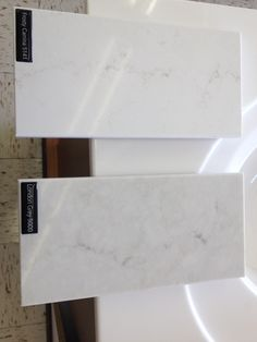 Better Pictures - Here is a better picture of a comparison between Caesarstone Quartz (AUS) - London grey and Frosty Carrina To anybody wanting to take better photographs today Outdoor Kitchen Countertops, Kitchen Benches, Granite Kitchen, New Kitchen, Kitchen Counters, Kitchen Reno, Kitchen Backsplash, Kitchen Design, Kitchen Cabinets