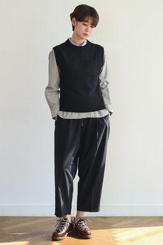 Cozy Fashion, Girl Fashion, Womens Fashion, Fashion Design, What To Wear Tomorrow, Swag, Asian Fashion, Aesthetic Clothes, Streetwear Fashion