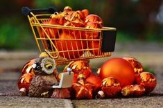 5 Ways Retailers Can Stay Safe Over the Holidays Small Tiny House, Poster Display, Shop Plans, Display Design, Shop Interior Design, Chicken And Vegetables, Make More Money, Healthy Chicken Recipes, Christmas Shopping