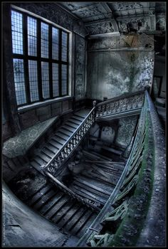 Abandoned Mansion love the way this looks