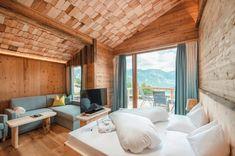 Natur- und Wellnesshotel in der Steiermark: Höflehner - The Chill Report Hotels, Relax, Logs, Modern, Divider, Curtains, Bed, Design Hotel, Furniture